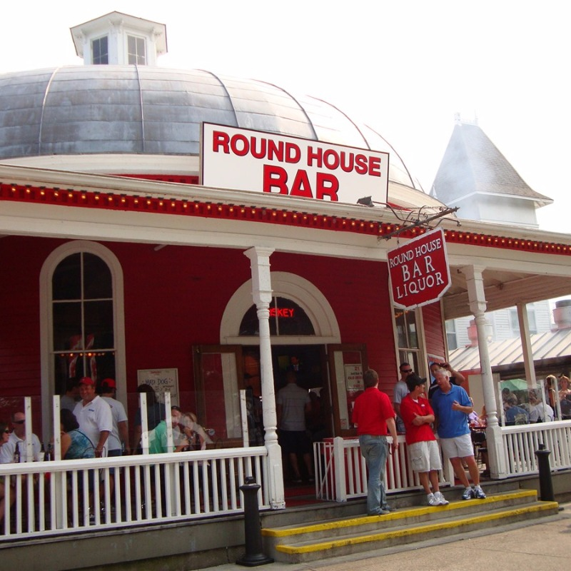 Roundhouse Bar Island Club Put in Bay